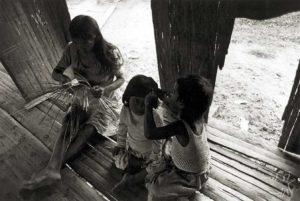 Índios da etnia Kaxinawá. Foto: pib.socioambiental.org