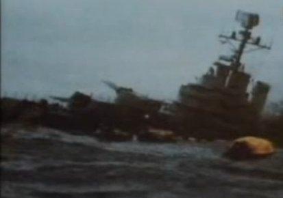 Navio de Guerra afunda próximo às ilhas. Guerra foi vencida em apenas dois meses e meio pelo Reino Unido. Foto: Reprodução History Channel