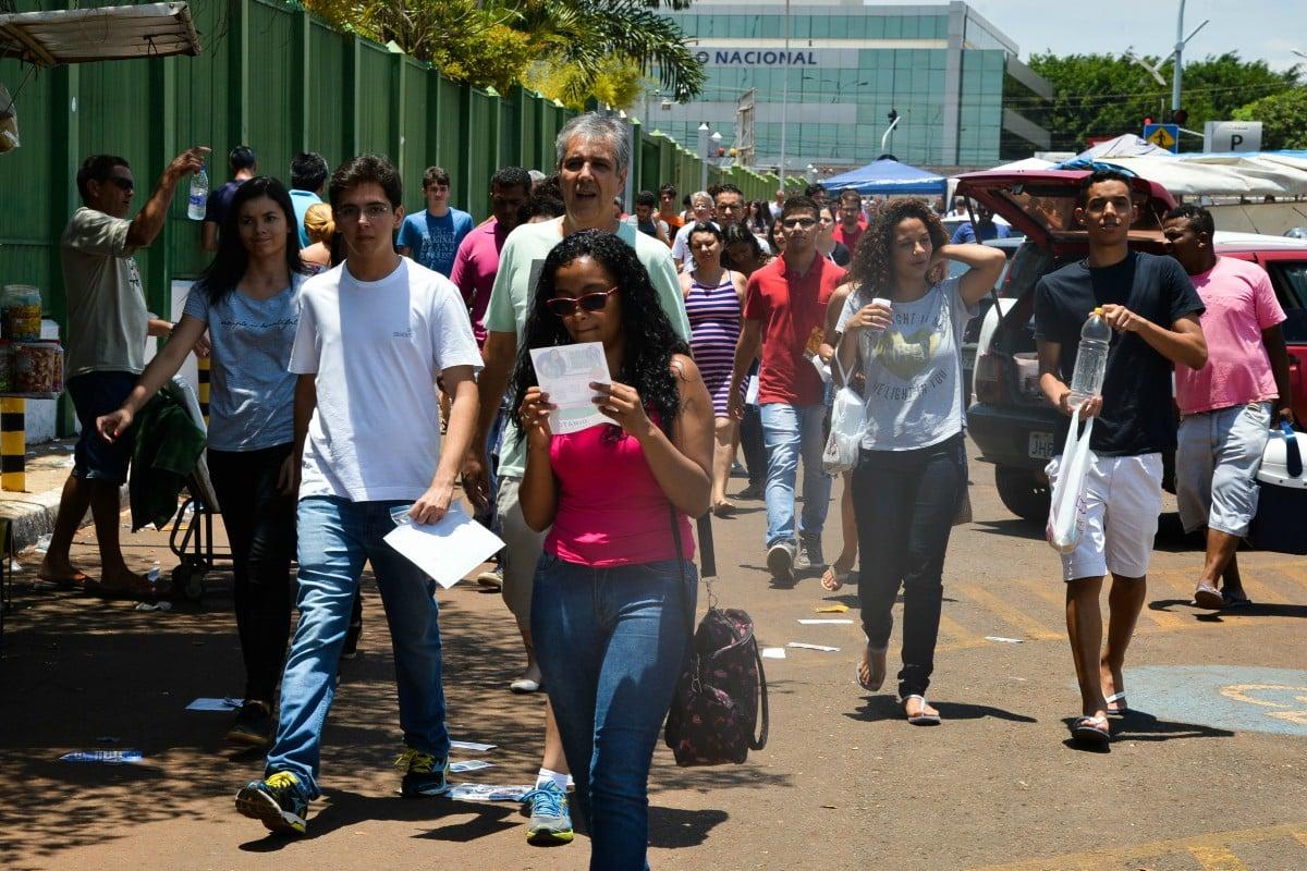 Governo faz campanha para sacrificar nova geração de estudantes