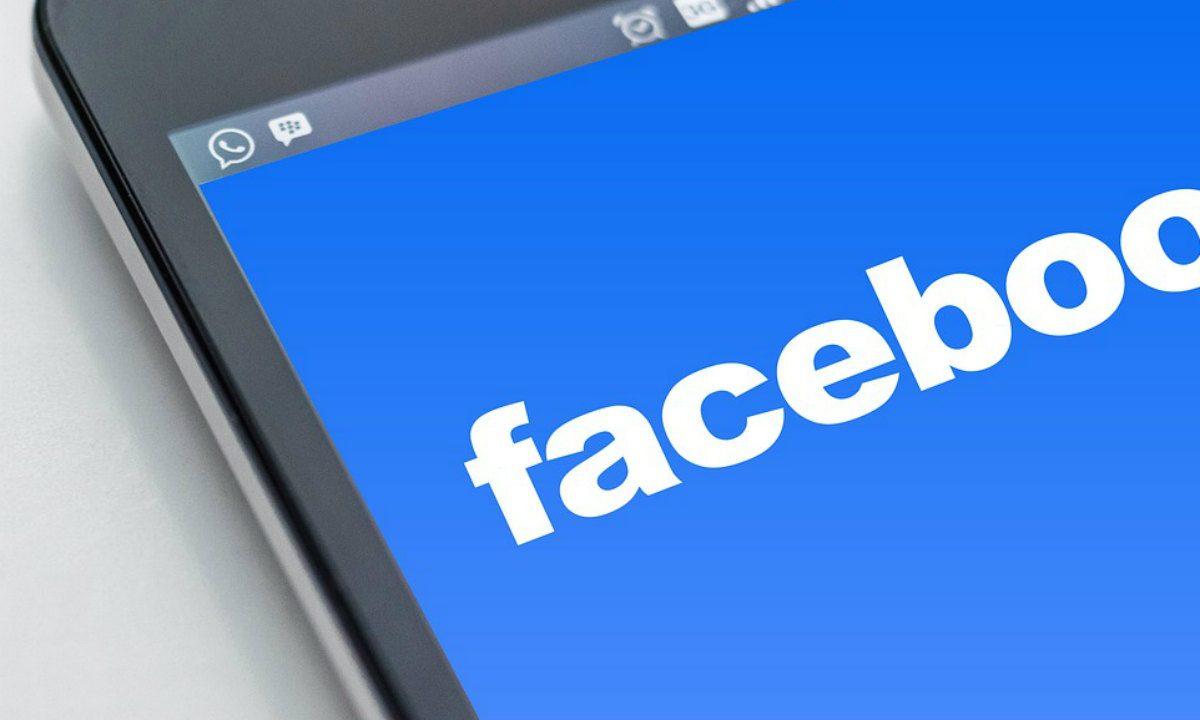 Jovens brasileiras estão entre as que mais sofrem assédio on-line no mundo, diz estudo