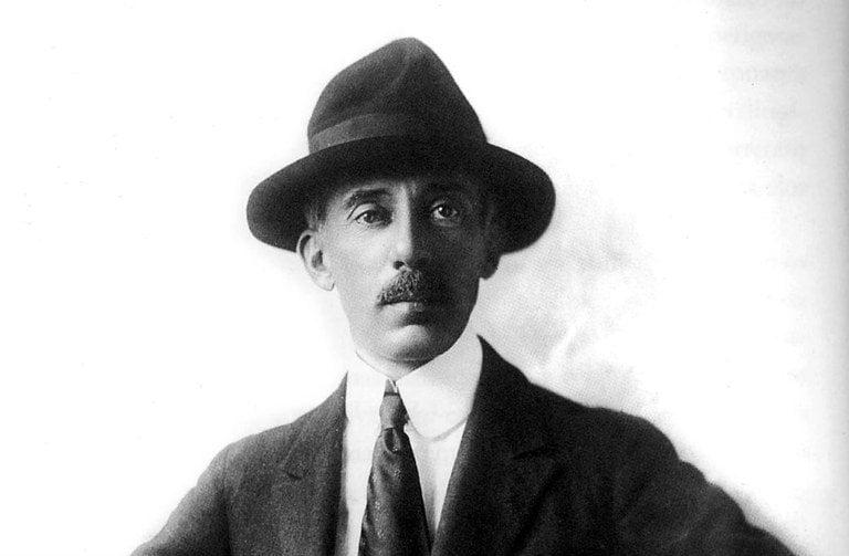108aced50d1 A biografia de Santos-Dumont que ousa demolir mitos - CartaCapital