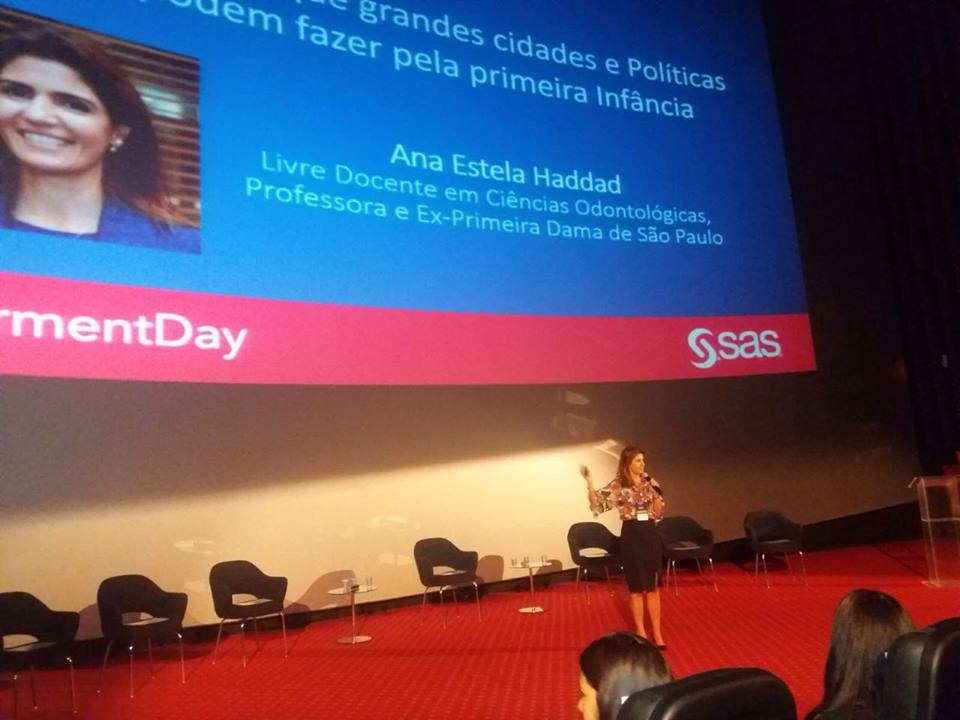 Ana Estela na Academia