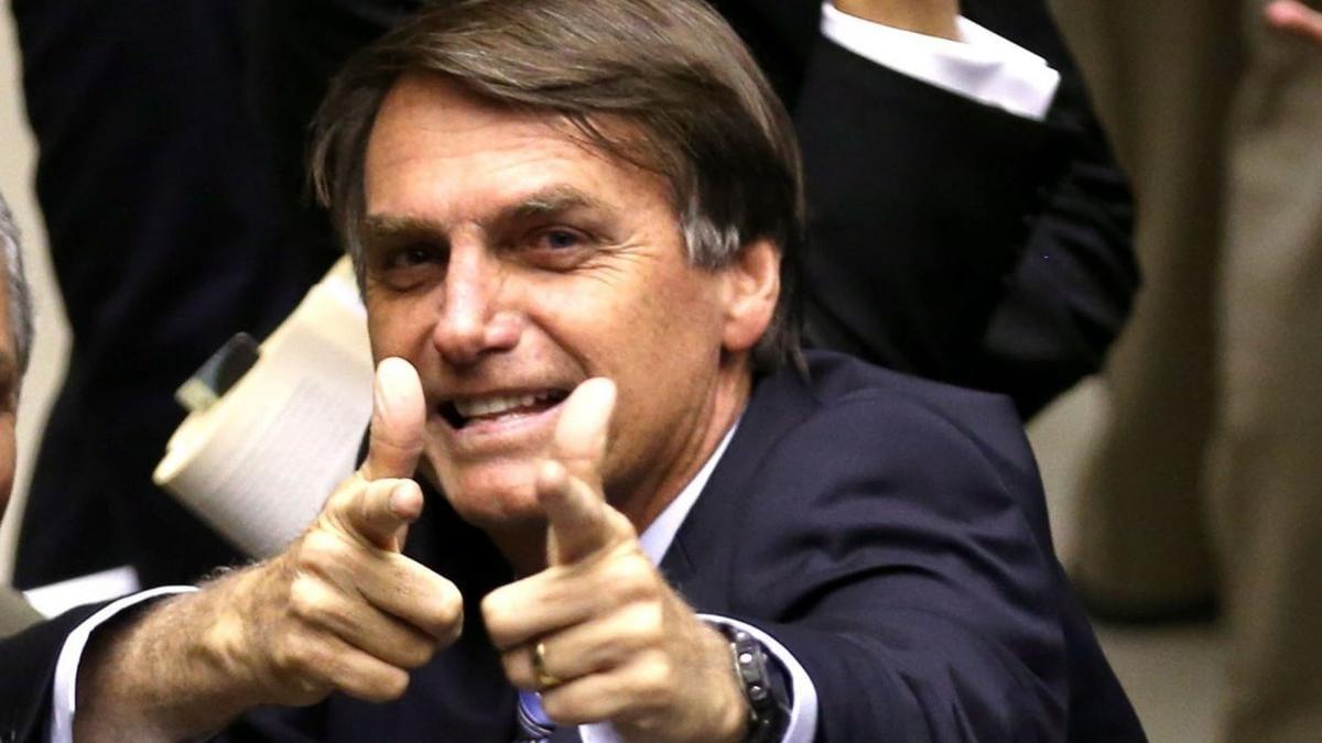 Bolsonaro anuncia corte em investimento para faculdades de humanas