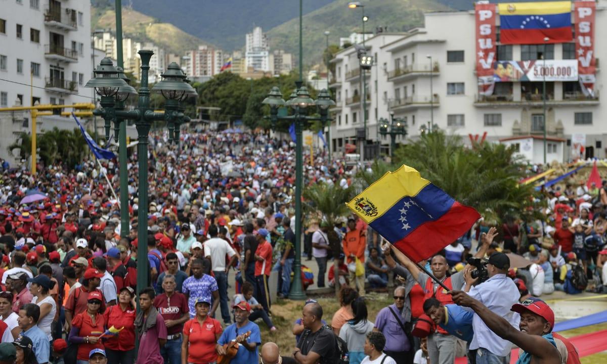 Ruas de Caracas e outras cidades venezuelanas foram palcos de intensos protestos contra Maduro nesta quarta-feira <i>(Crédito: AFP)</i>