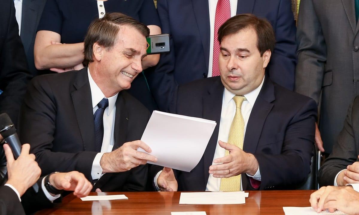 Bolsonaro entre a PEC da Previdência ao presidente da Câmara: sem vida fácil no Congresso