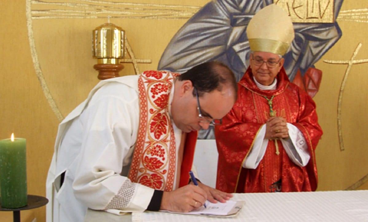 O ex-padre Wagner Portugal: envolvimento em desvios dos cofres fluminenses (Foto: Divulgação)