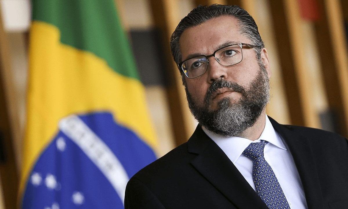 Ernesto Araújo diz que pandemia é usada para implementar o ...