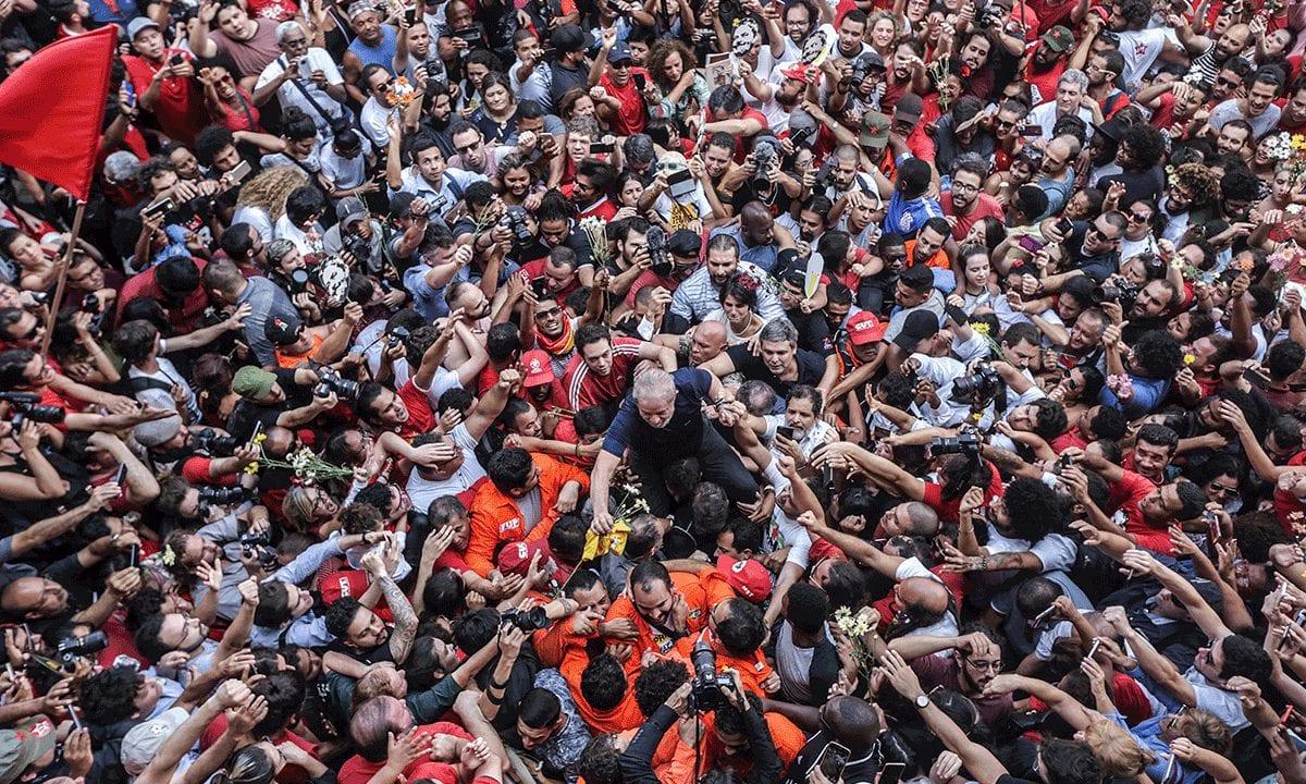 Lula, o grande líder (e com grande vantagem sobre os demais)