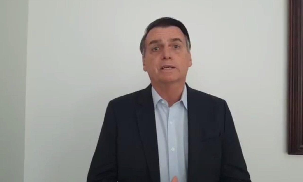 Na web, Bolsonaro ignora Moro e demissão de Santos Cruz