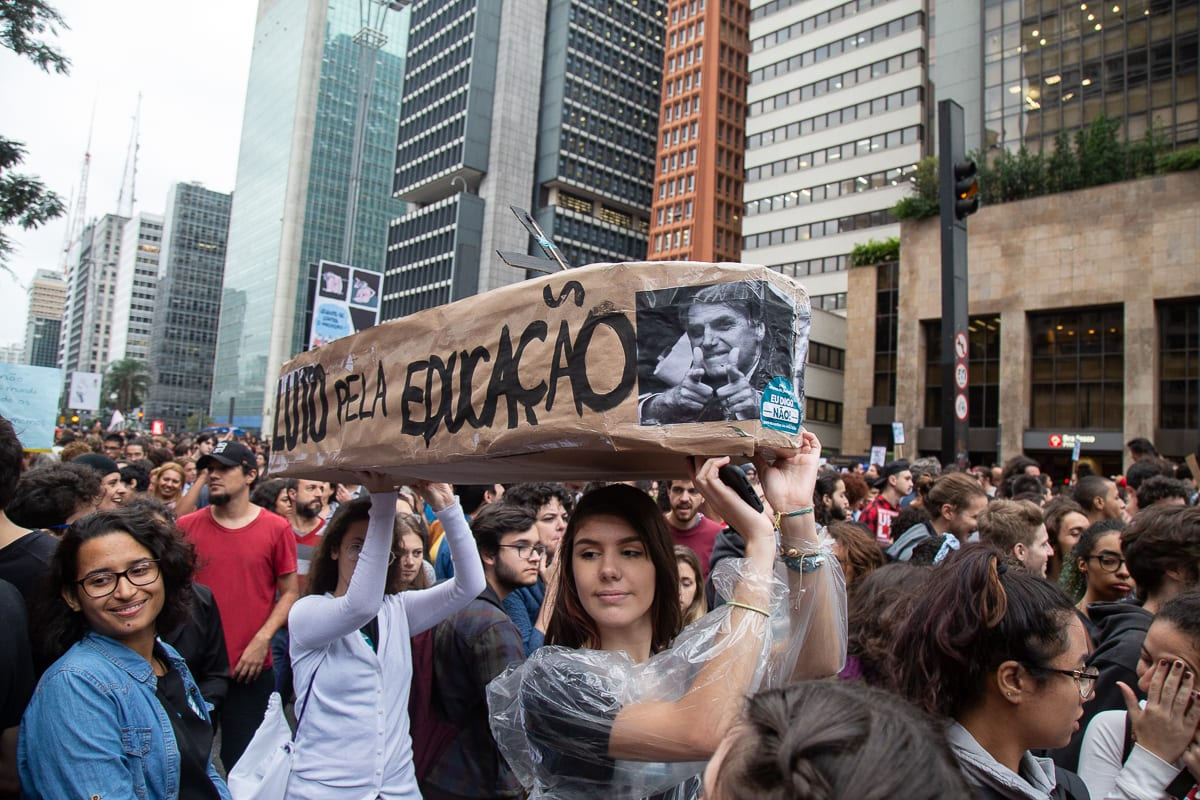 Governo Bolsonaro corta mais de 5.600 novas bolsas da Capes