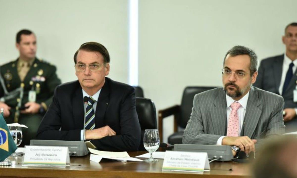 """Bolsonaro analisa situação do Enem e cita possível """"sabotagem"""""""