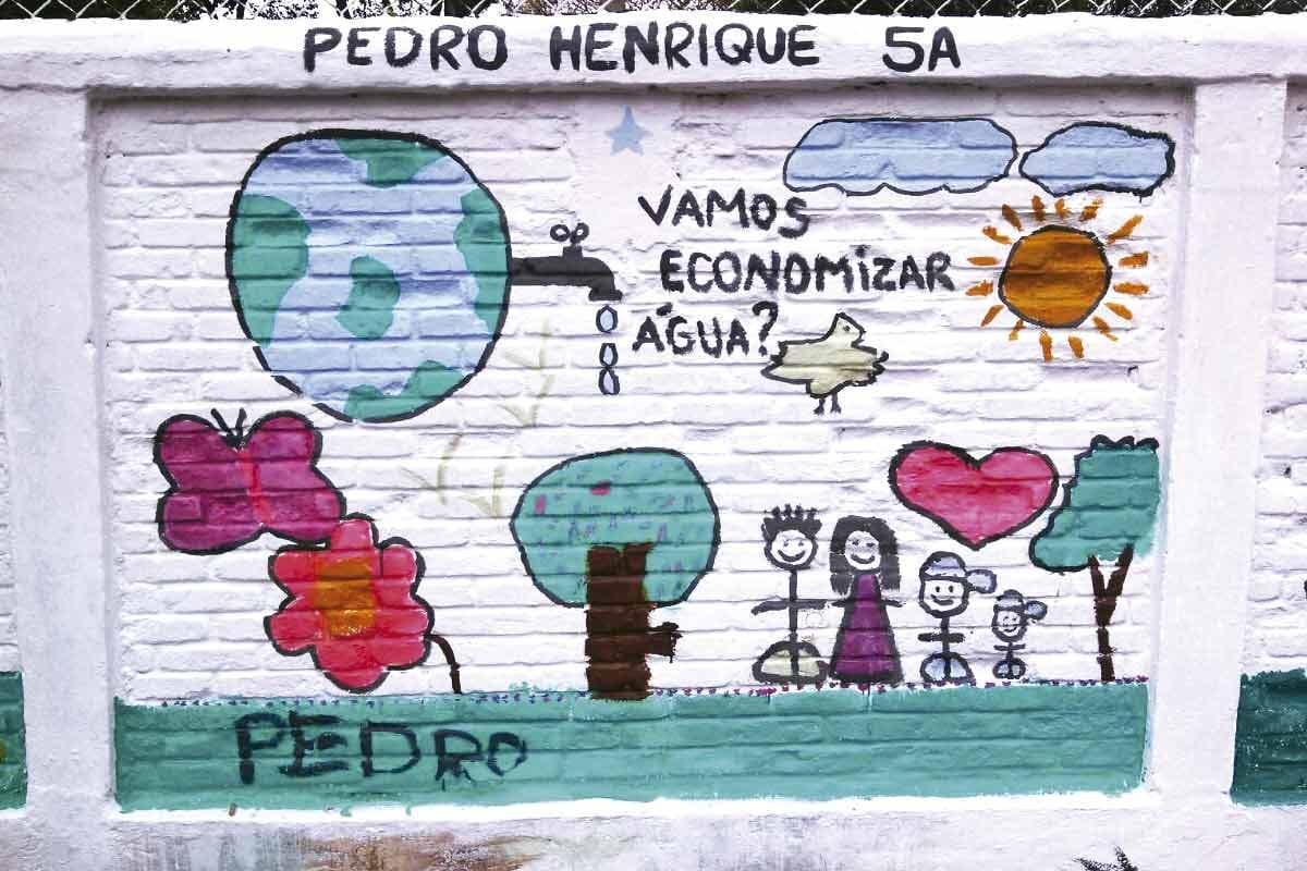 Muro de escola Programa de Uso Racional da Água (Pura) Muro de escola