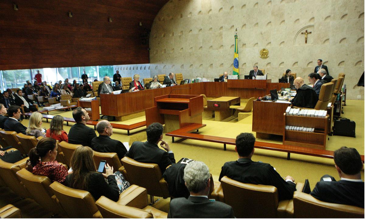 Apoiadores de Jair Bolsonaro cobram prisão de juízes do STF