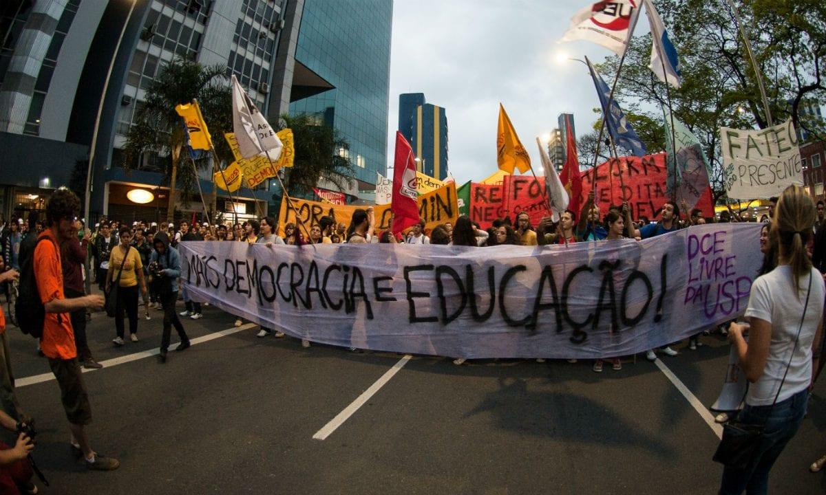 Maioria dos brasileiros defende educação gratuita da creche à universidade