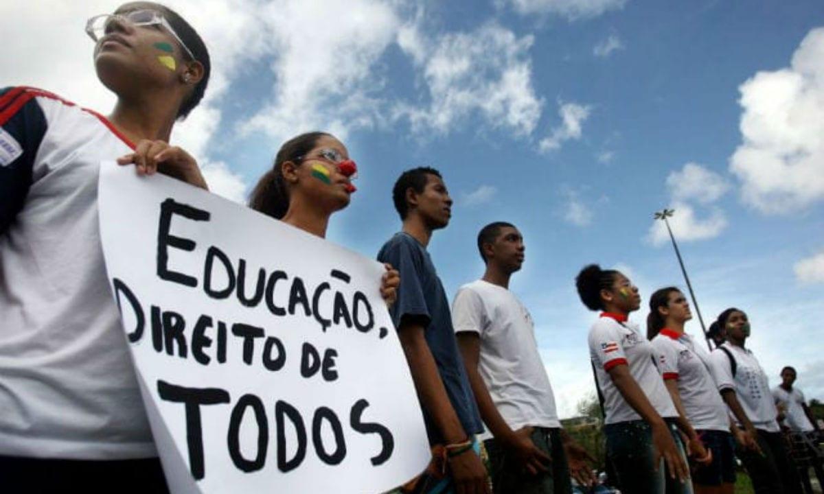 Mais de 70% dos jovens de 14 a 29 anos que abandonam a escola são pretos ou pardos