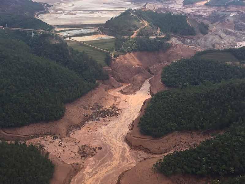 Rio Doce após rompimento de barragem Lama em Mariana O ambientalista apolo lisboa