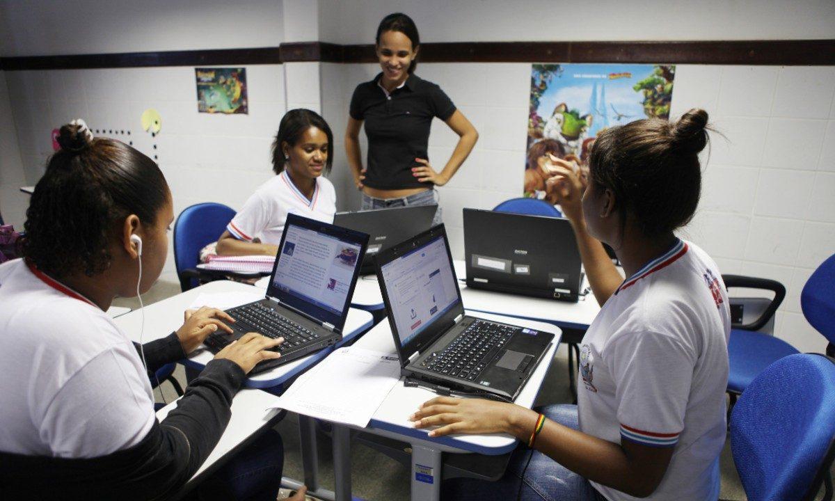 Pisa: Metade dos estudantes brasileiros ainda não consegue compreender um texto