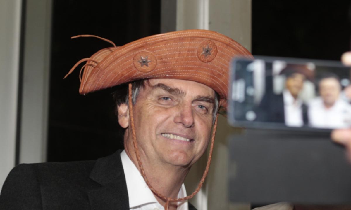 E os causos vão rolando em sete meses de insanidade com Jair Bolsonaro