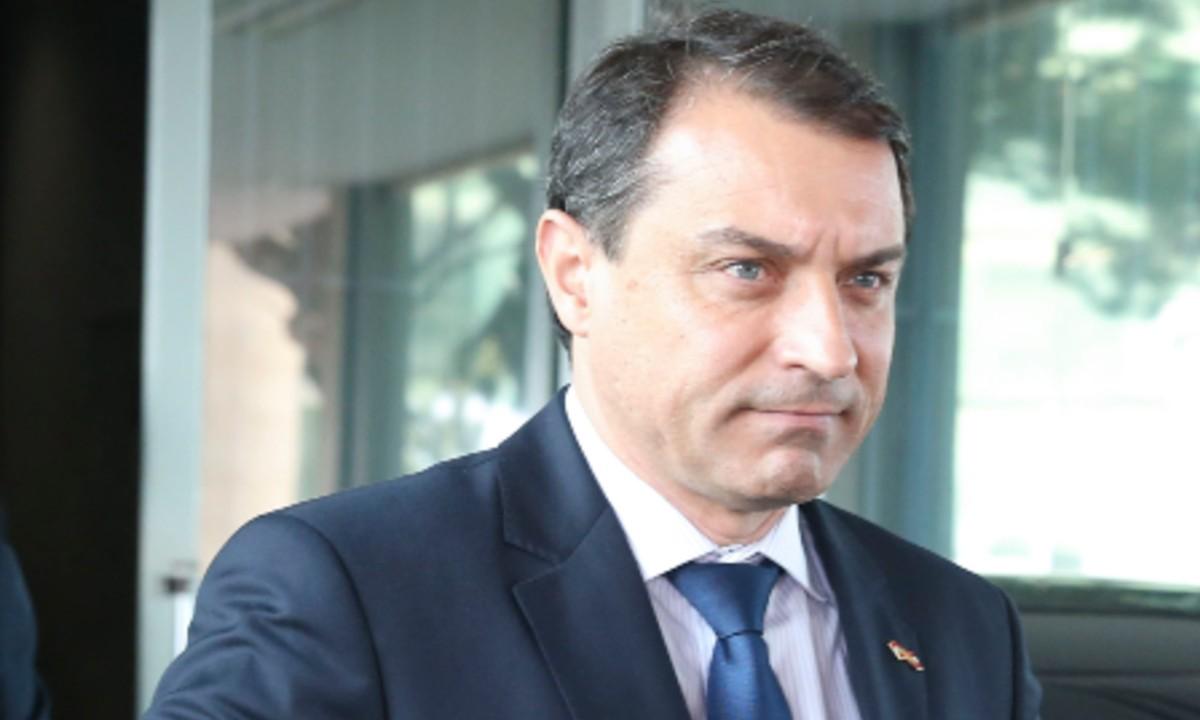 Eleito pelo PSL, governador de SC se afasta do bolsonarismo radical -  CartaCapital