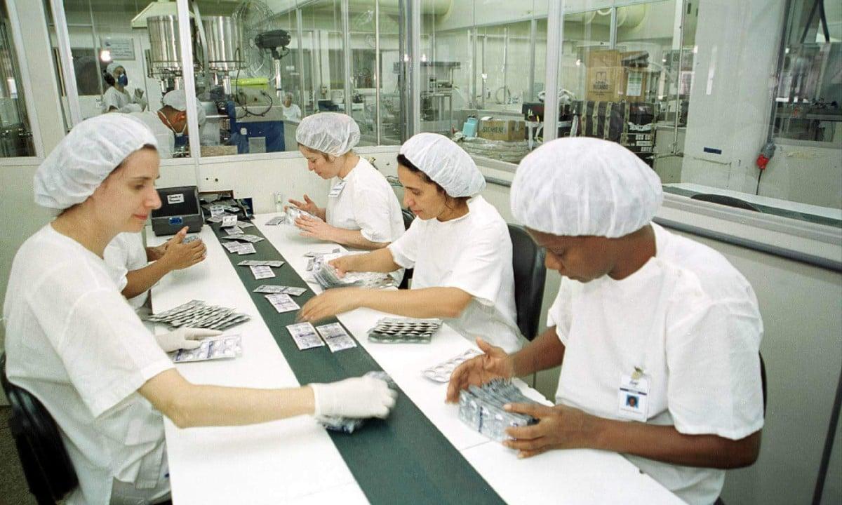 Larga escala. Só no ano passado, fábricas da Furp produziram quase 530 milhões de medicamentos para o SUS. Foto: Ag. Senado