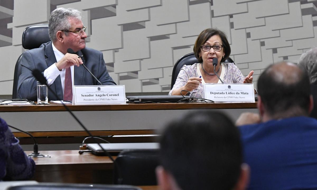 O senador Ângelo Coronel (PSD-BA) e a deputada federal Lídice da Mata (PSB-BA). Foto: Geraldo Magela/Agência Senado