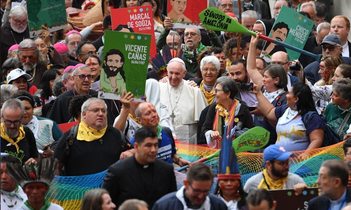 Papa condena proselitismo religioso que força conversões na Amazônia - CartaCapital
