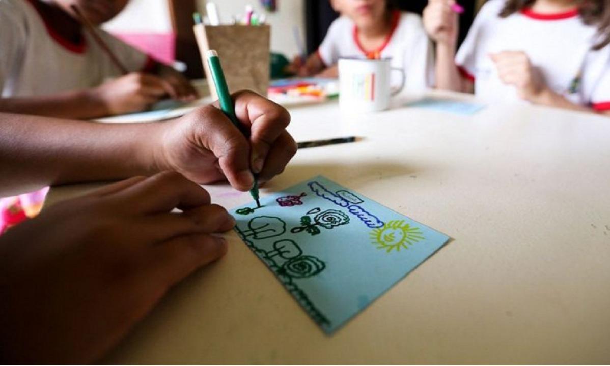 Educação sexual para crianças: qual é a melhor forma de tratar o tema?