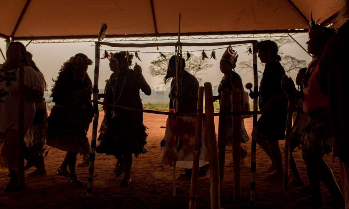 Mulheres dançam durante a Kuñangue Aty Guasu (Foto: Everson Tavares/Agência Pública)