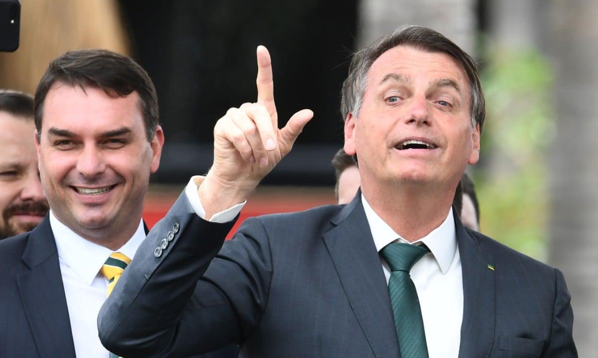 Flávio Bolsonaro e Jair Bolsonaro