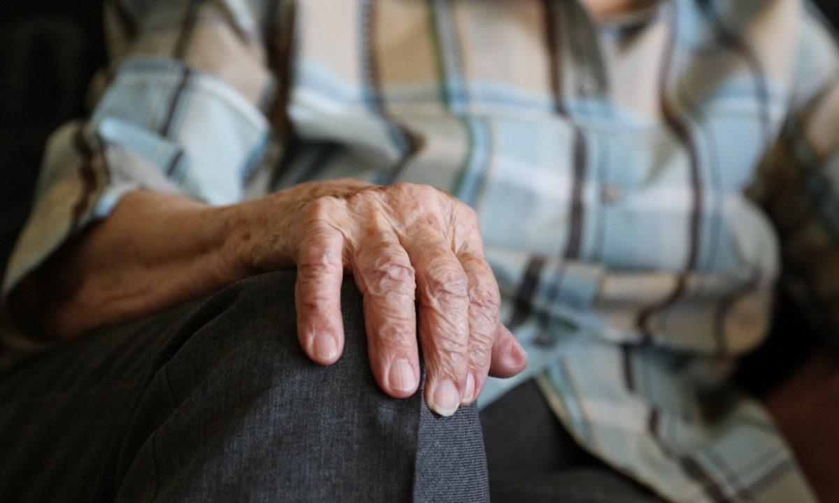 Resultado de imagem para empregada domestica idosa