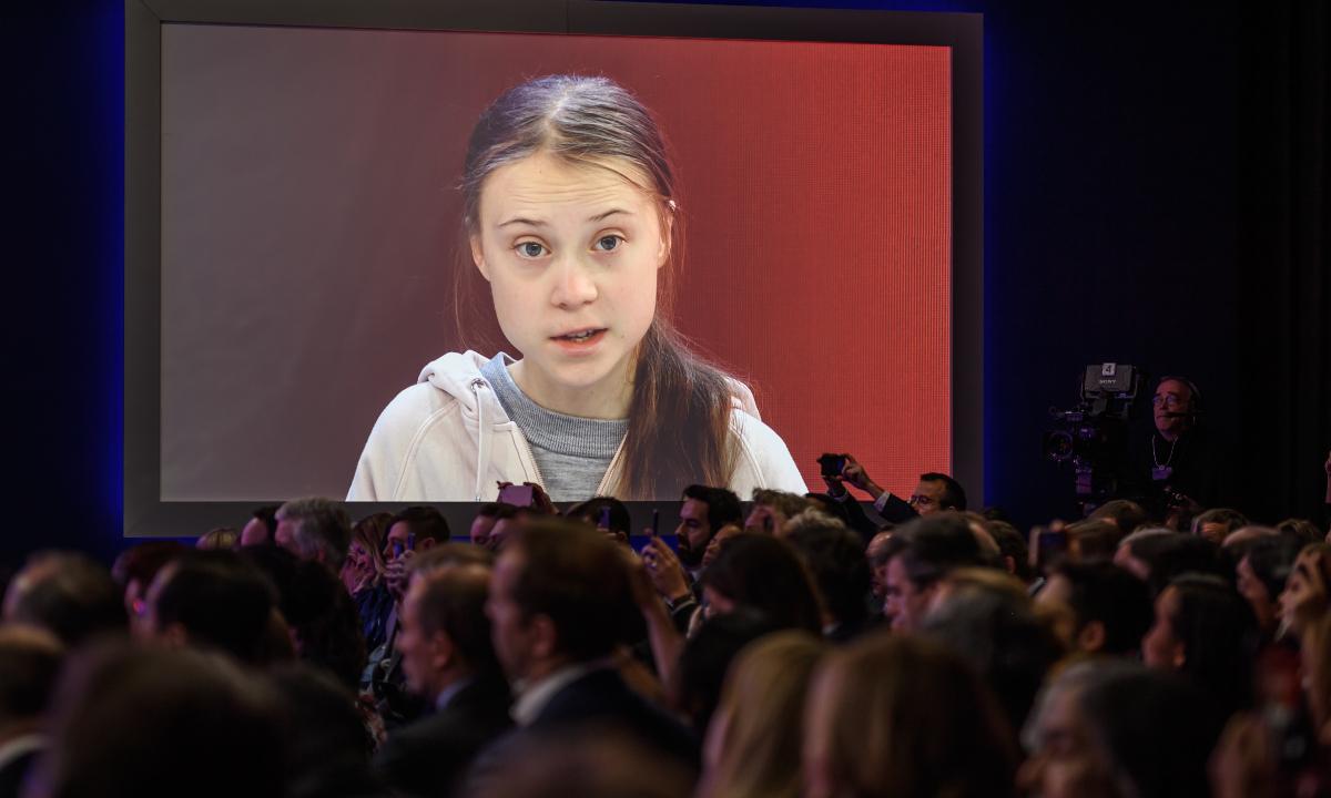 'Não se fez nada' contra a mudança climática, diz Greta em Davos
