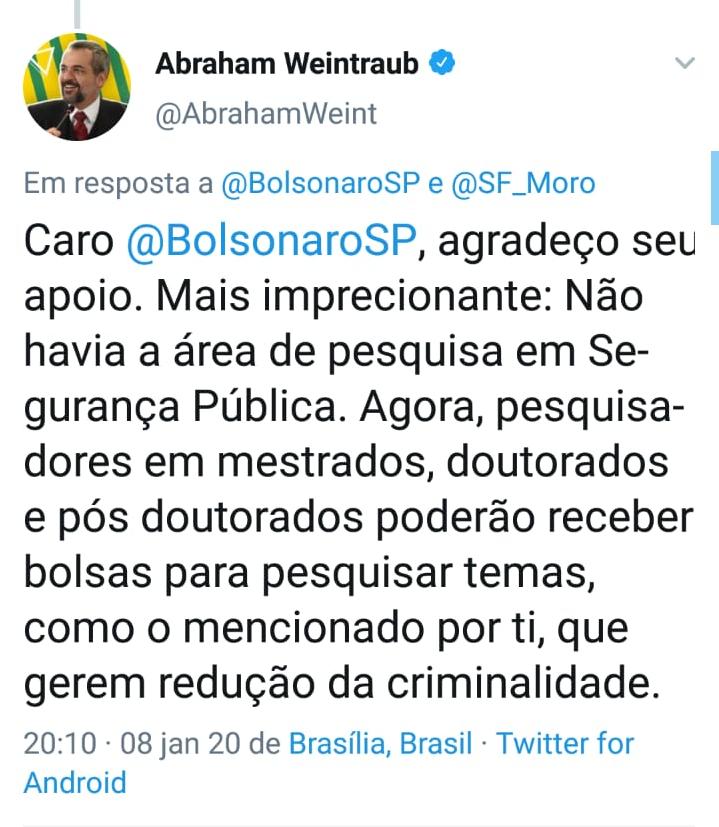 Abraham Weintraub comete mais um erro de português nas redes sociais