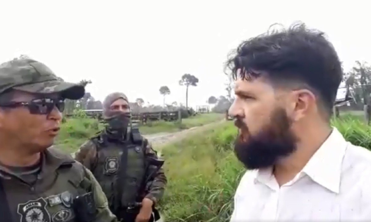Antropólogo bolsonarista grava própria prisão após invadir terras indígenas