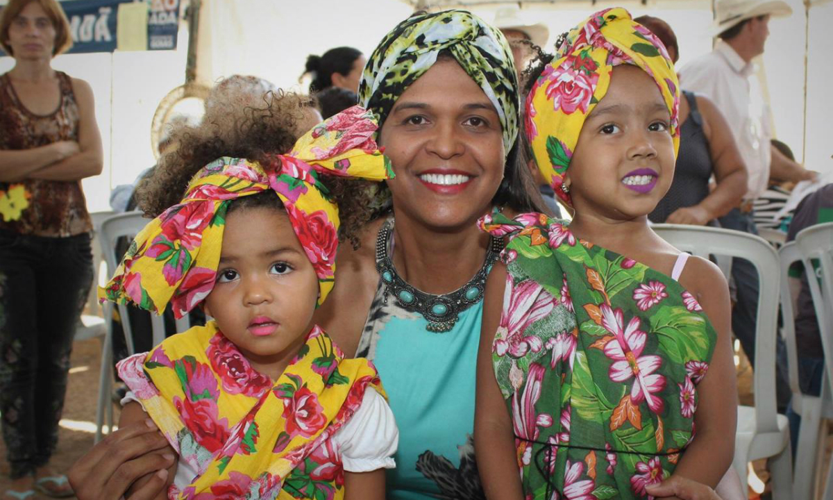 Zélia é prefeita de Itapirapuã (Foto: Divulgação)
