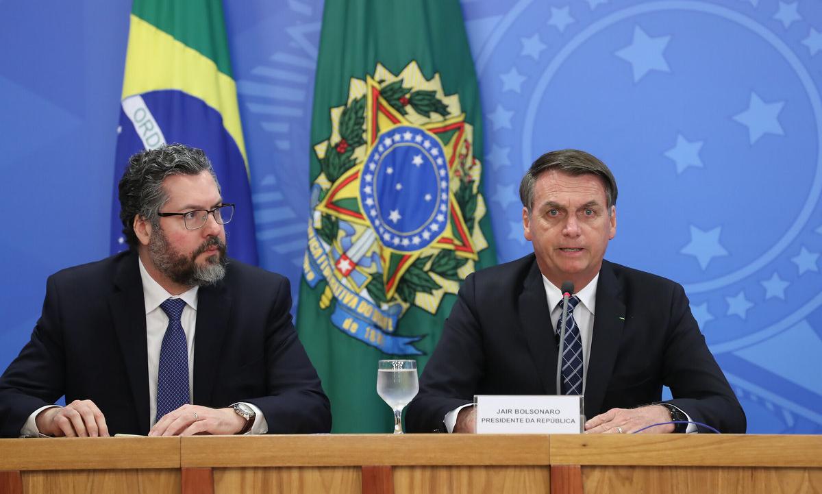 O presidente Jair Bolsonaro e o ministro das Relações Exteriores, Ernesto Araújo. Foto: Marcos Corrêa/PR