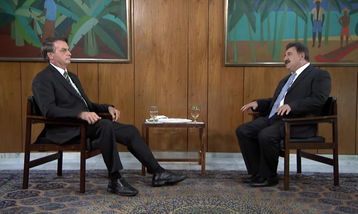 O presidente da República, Jair Bolsonaro, cedeu entrevista ao Programa do Ratinho. Foto: Reprodução/YouTube