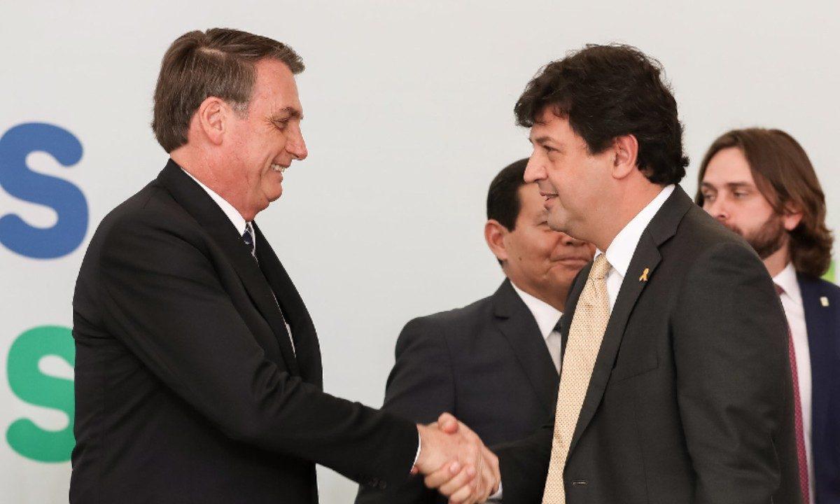 O presidente Jair Bolsonaro e o ministro da Saúde Luiz Henrique Mandetta (Foto: Marcos Corrêa / PR)