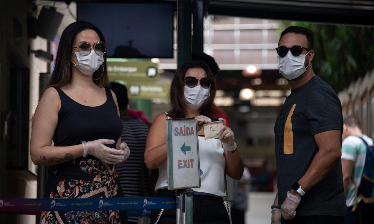 Número de casos de coronavírus aumentam no Brasil. Foto: AFP