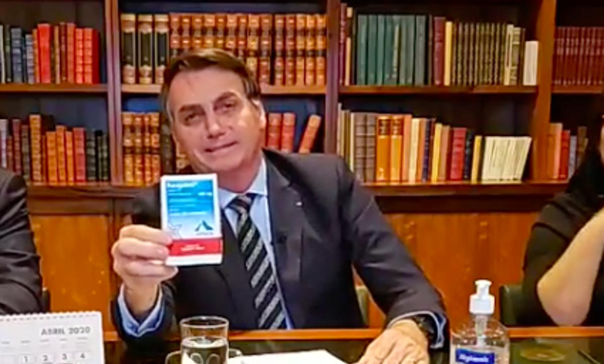 Nem Trump fala mais da cloroquina. Por que Bolsonaro insiste nela?