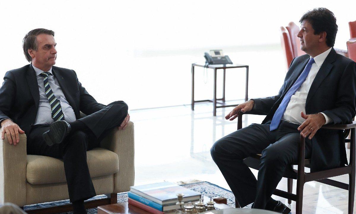 O presidente Jair Bolsonaro e seu ministro da Saúde, Luiz Henrique Mandetta (Foto: Marcos Corrêa/PR)