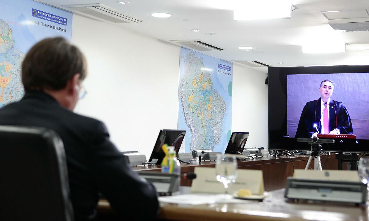 Ministro Barroso (STF) e o presidente Jair Bolsonaro. Foto: Carolina Antunes/PR