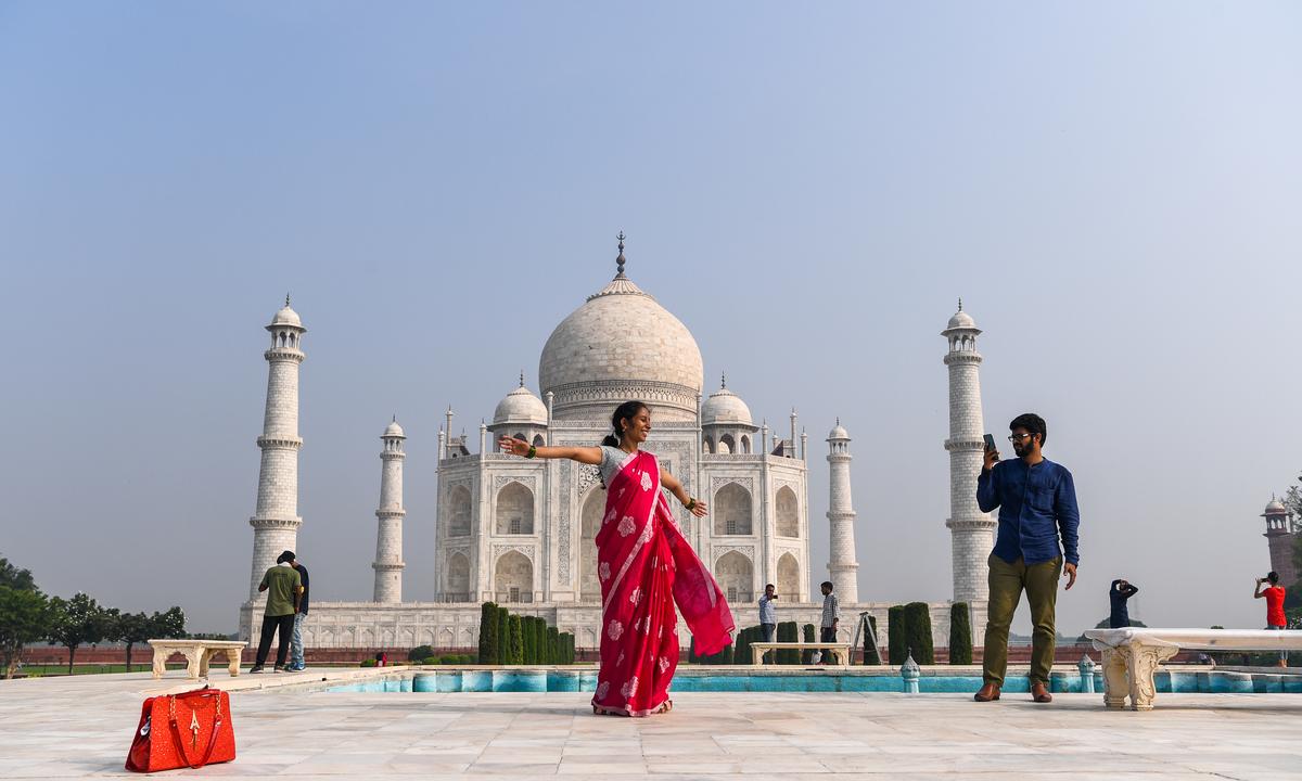 Taj Mahal reabriu para a visita de turistas na Índia em 21 de setembro. Foto:  Sajjad HUSSAIN/AFP