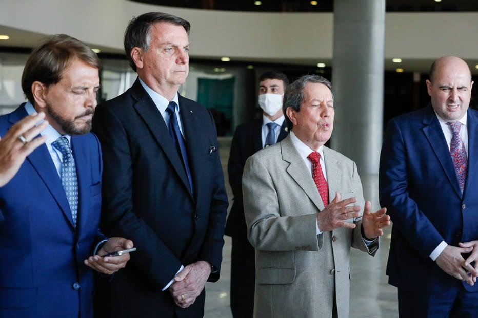 Presidente Jair Bolsonaro durante encontro com Pastor Silas Malafaia e outros pastores evangelicos