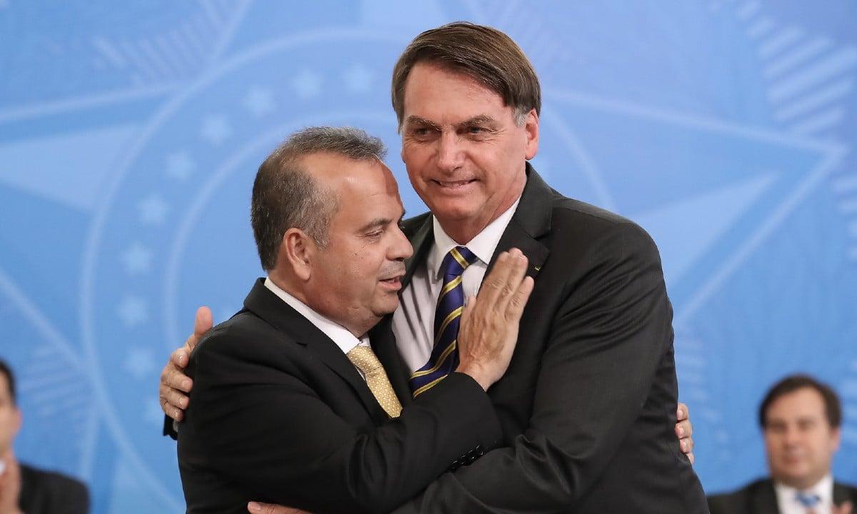 O presidente Jair Bolsonaro e o ministro do Desenvolvimento Regional, Rogério Marinho (Foto: Marcos Corrêa/PR)
