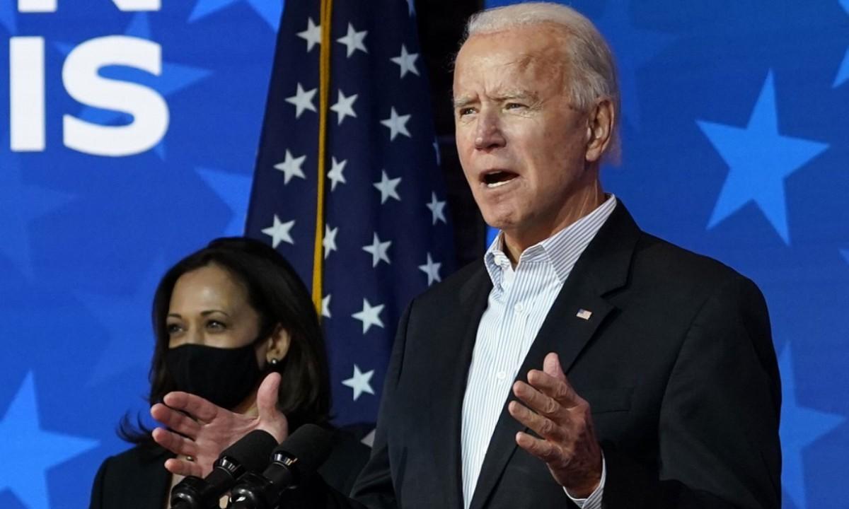 Democrata Joe Biden ao lado da senadora Kamala Harris. Créditos: Drew Angerer / GETTY IMAGES NORTH AMERICA / Getty Images via AFP