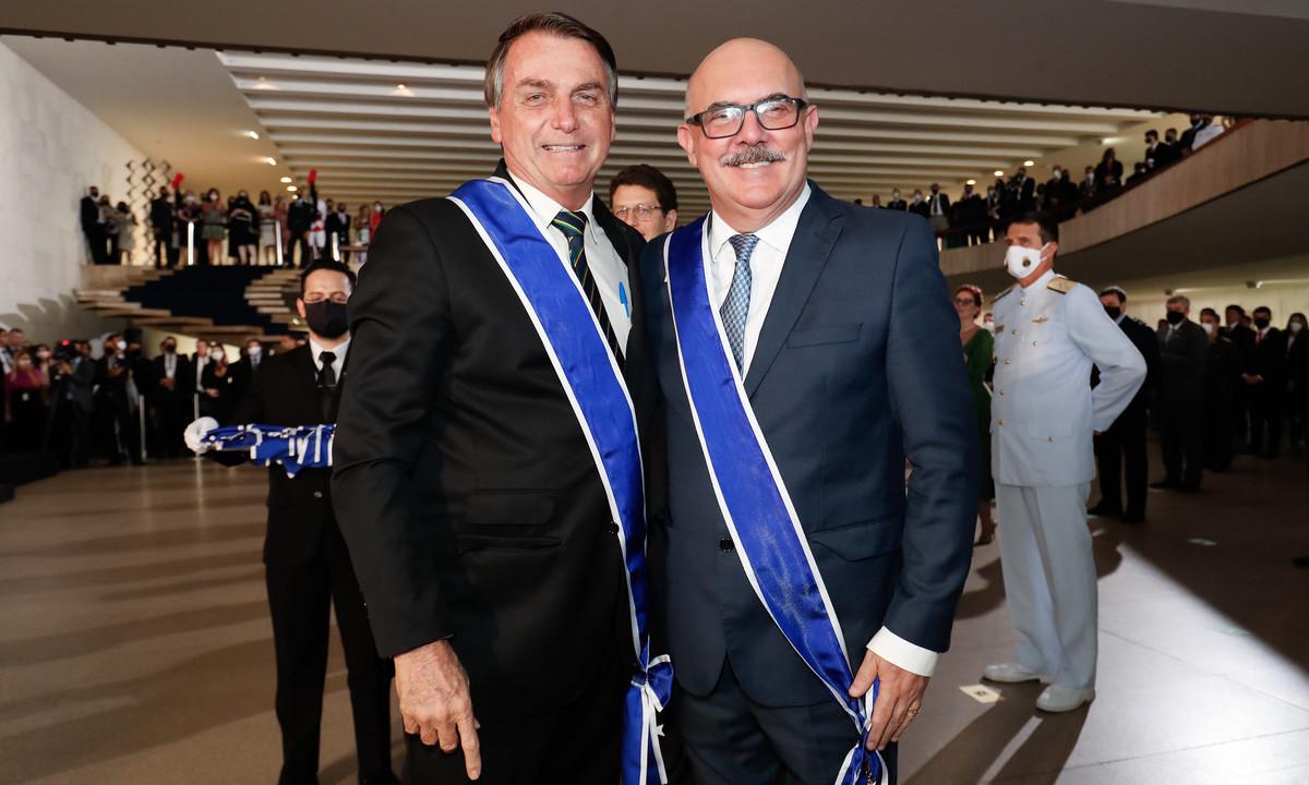 O presidente Jair Bolsonaro e o ministro da Educação, Milton Ribeiro. Foto: Alan Santos/PR