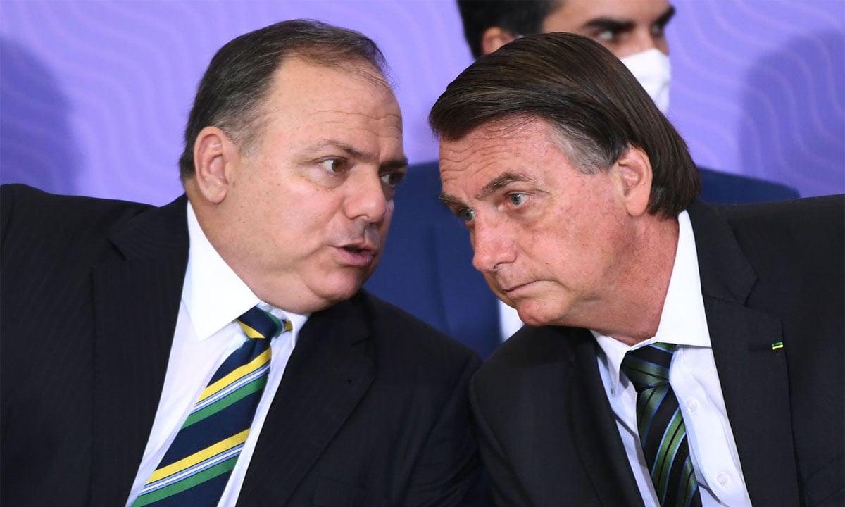 Eduardo Pazuello e Jair Bolsonaro. Foto: Evaristo Sá/AFP