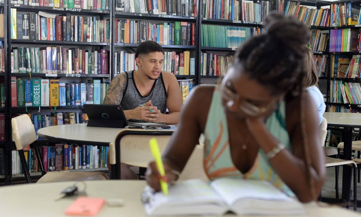 Projeto quer taxar os livros em 12% pela Contribuição de Bens e Serviços (Foto: Jefferson Peixoto/Secom)