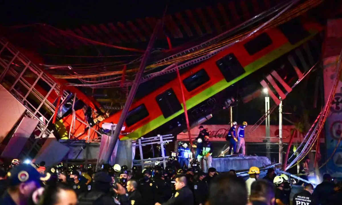 Vagões de metrô desabam e deixam 20 mortos na Cidade do México . Foto: Pedro PARDO/AFP