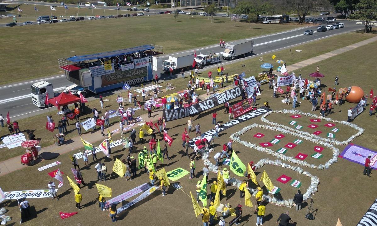 Centrais fizeram ato unificado em 26 de maio e cobraram vacina, auxílio emergencial de 600 reais e 'comida no prato'. Foto: Comunicação MST/Fotos Públicas